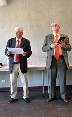 enaura bourgert recoit des mains de monsieur maurois recteur de l academie de nantes le prix de la sportivite 2018