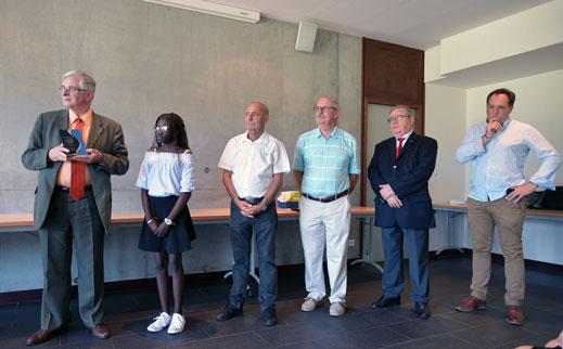 remise du prix de la sportivite 2018 a arame cissakho par monsieur maurois proviseur de l academie de nantes